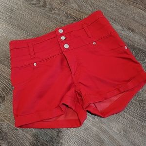 Gorgeous red high-waisted shorts